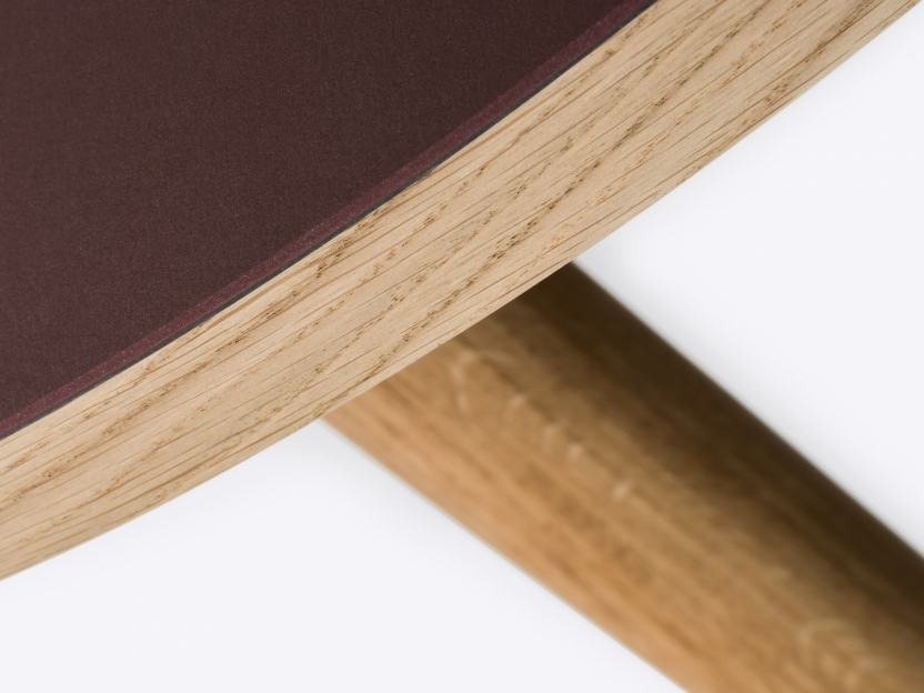 Linoleum surface, available in 30 colors